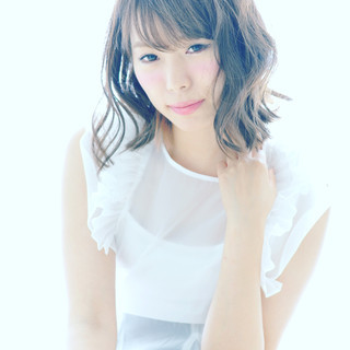 ガーリー モテ髪 ミディアム パーマ ヘアスタイルや髪型の写真・画像