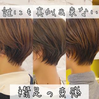 ナチュラル ショートヘア ハンサムショート ショート ヘアスタイルや髪型の写真・画像