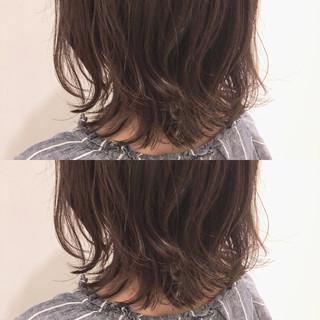ミディアムレイヤー パーマ ミディアム ナチュラル ヘアスタイルや髪型の写真・画像