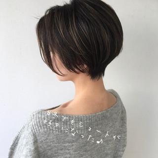 ショートヘア 小顔ショート ミニボブ ナチュラル ヘアスタイルや髪型の写真・画像