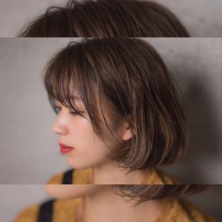 透明感 ウェーブ ナチュラル ボブ ヘアスタイルや髪型の写真・画像