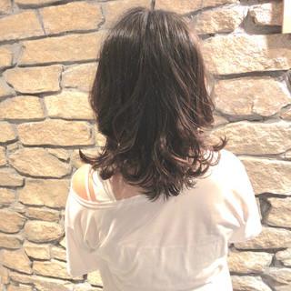 レイヤーカット ミディアムレイヤー セミロング レイヤースタイル ヘアスタイルや髪型の写真・画像