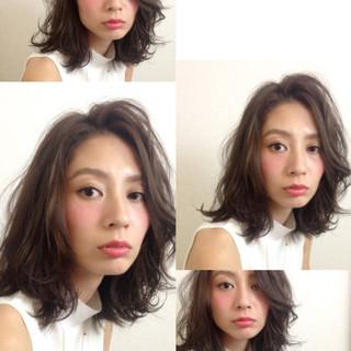 ミディアム コンサバ 暗髪 大人かわいい ヘアスタイルや髪型の写真・画像