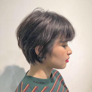 暗髪 ショートボブ ショート アッシュグレー ヘアスタイルや髪型の写真・画像