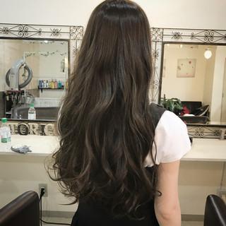 女子会 リラックス ロング オフィス ヘアスタイルや髪型の写真・画像