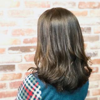 束感 大人女子 ハイライト セミロング ヘアスタイルや髪型の写真・画像