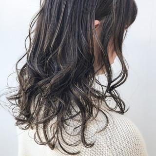 セミロング ハイライト 大人かわいい コンサバ ヘアスタイルや髪型の写真・画像