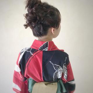 お団子ヘア ヘアアレンジ ミディアム ガーリー ヘアスタイルや髪型の写真・画像