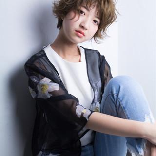フェミニン ショート かわいい イルミナカラー ヘアスタイルや髪型の写真・画像
