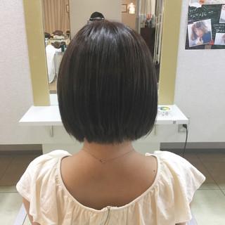 小顔 ショート 暗髪 オフィス ヘアスタイルや髪型の写真・画像