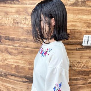ばっさり ミディアム アッシュ フェミニン ヘアスタイルや髪型の写真・画像
