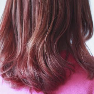 ピンク セミロング ナチュラル ボルドー ヘアスタイルや髪型の写真・画像
