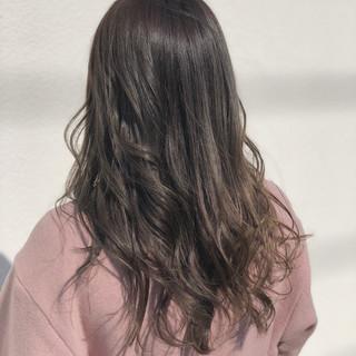 ロング ハイライト ナチュラル 外国人風 ヘアスタイルや髪型の写真・画像 ヘアスタイルや髪型の写真・画像