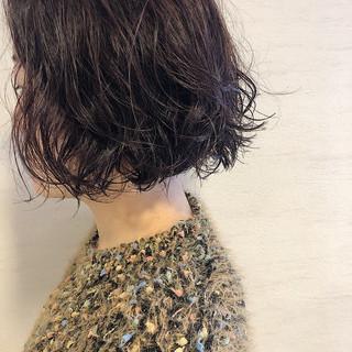 オフィス ナチュラル ボブ パーマ ヘアスタイルや髪型の写真・画像
