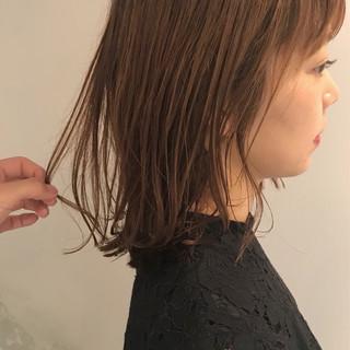 ミディアム 透明感 ナチュラル パーマ ヘアスタイルや髪型の写真・画像
