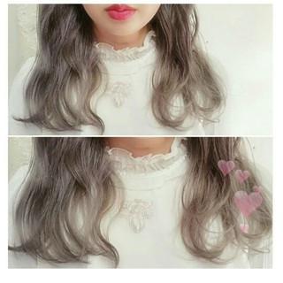 ミディアム アッシュグレージュ アッシュ 外国人風 ヘアスタイルや髪型の写真・画像