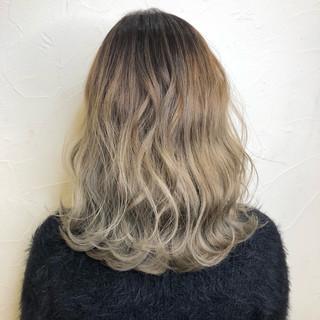 エレガント 外国人風カラー ヘアアレンジ ウェーブ ヘアスタイルや髪型の写真・画像