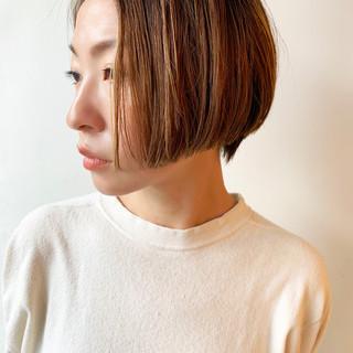 ショートボブ ショートヘア 大人かわいい ナチュラル ヘアスタイルや髪型の写真・画像