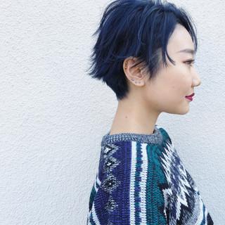 ストリート ダブルカラー ショート 外ハネ ヘアスタイルや髪型の写真・画像