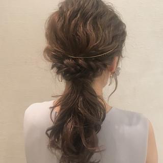 大人かわいい セミロング ウェーブ デート ヘアスタイルや髪型の写真・画像