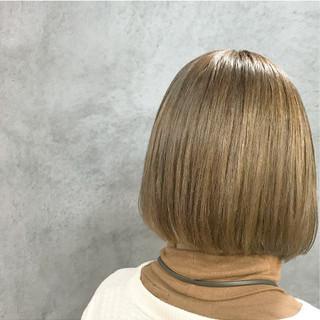 ベージュ モカベージュ ボブ 切りっぱなしボブ ヘアスタイルや髪型の写真・画像