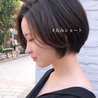 ショートヘア ナチュラル ショートボブ 黒髪 ヘアスタイルや髪型の写真・画像