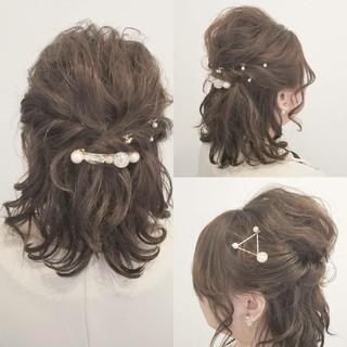 デート ミディアム ナチュラル 大人かわいい ヘアスタイルや髪型の写真・画像 ヘアスタイルや髪型の写真・画像