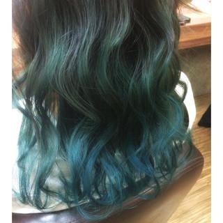 ガーリー グラデーションカラー アッシュグレージュ フェミニン ヘアスタイルや髪型の写真・画像