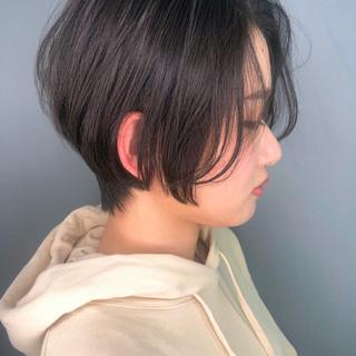 大人かわいい 簡単スタイリング ショートボブ 黒髪 ヘアスタイルや髪型の写真・画像