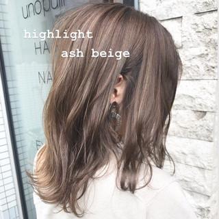 ブラウンベージュ ボブ ナチュラル イルミナカラー ヘアスタイルや髪型の写真・画像