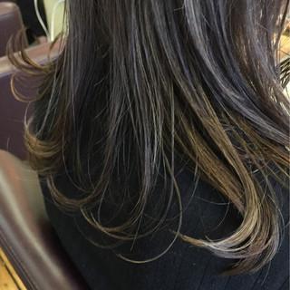 大人かわいい デート ミディアム インナーカラー ヘアスタイルや髪型の写真・画像