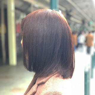 ベリーピンク ピンクブラウン ミディアム ナチュラル ヘアスタイルや髪型の写真・画像