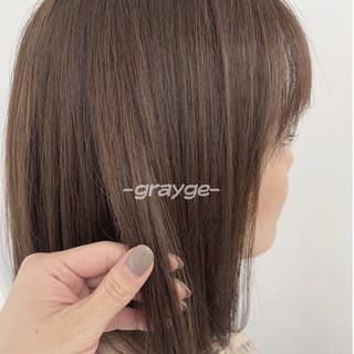 シアーベージュ インナーカラー ショートボブ ミディアム ヘアスタイルや髪型の写真・画像