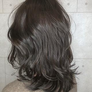 イルミナカラー ナチュラル セミロング グラデーションカラー ヘアスタイルや髪型の写真・画像 ヘアスタイルや髪型の写真・画像