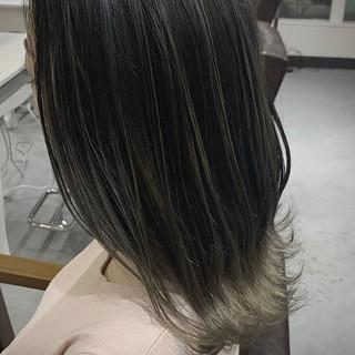 バレイヤージュ グラデーションカラー ナチュラル コントラストハイライト ヘアスタイルや髪型の写真・画像