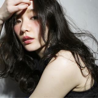 外国人風 セミロング 前髪あり ストリート ヘアスタイルや髪型の写真・画像