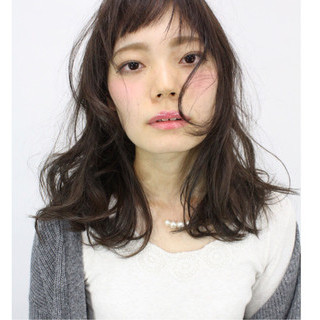 暗髪 ヘアアレンジ ロング ナチュラル ヘアスタイルや髪型の写真・画像