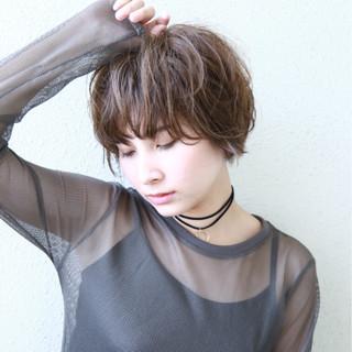 セクシー 艶髪 ゆるふわ ショート ヘアスタイルや髪型の写真・画像