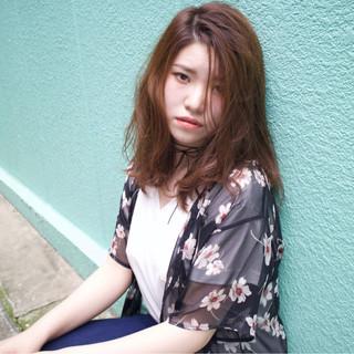 外国人風 パーマ 前髪あり ミディアム ヘアスタイルや髪型の写真・画像