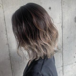 ストリート ミディアム ハイトーン ヘアアレンジ ヘアスタイルや髪型の写真・画像