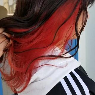 インナーカラーレッド ナチュラル インナーカラー 圧倒的透明感 ヘアスタイルや髪型の写真・画像