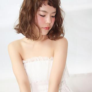 フェミニン 冬 ガーリー ゆるふわ ヘアスタイルや髪型の写真・画像