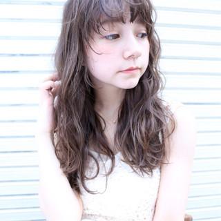 パーマ 外国人風カラー マルサラ シースルーバング ヘアスタイルや髪型の写真・画像