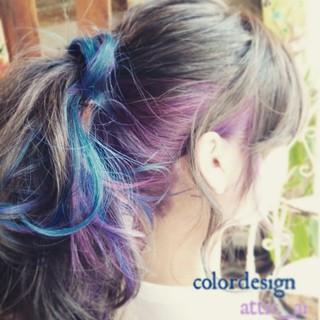 ロング インナーカラー ガーリー アッシュ ヘアスタイルや髪型の写真・画像