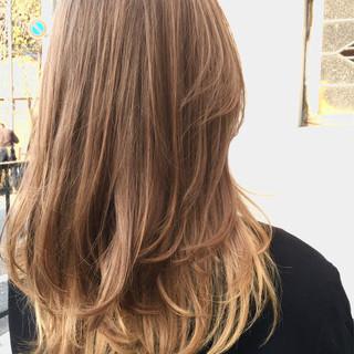 ロング ハイライト グラデーションカラー 外国人風 ヘアスタイルや髪型の写真・画像 ヘアスタイルや髪型の写真・画像