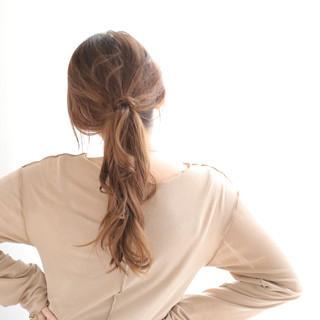パーマ 大人ロング 簡単ヘアアレンジ ナチュラル ヘアスタイルや髪型の写真・画像