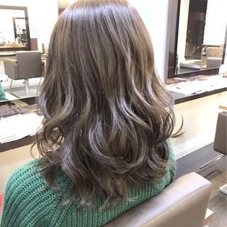 ミディアム ローライト ハイライト ニュアンス ヘアスタイルや髪型の写真・画像