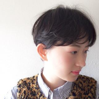 ショート ナチュラル アンニュイほつれヘア 透け感 ヘアスタイルや髪型の写真・画像 ヘアスタイルや髪型の写真・画像