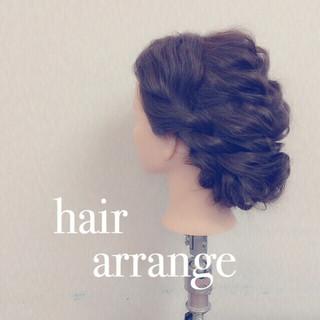 ヘアアレンジ 愛され 結婚式 セミロング ヘアスタイルや髪型の写真・画像