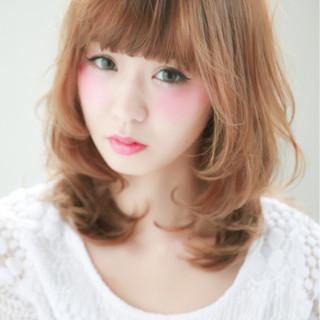 前髪あり ナチュラル ハイライト ピュア ヘアスタイルや髪型の写真・画像